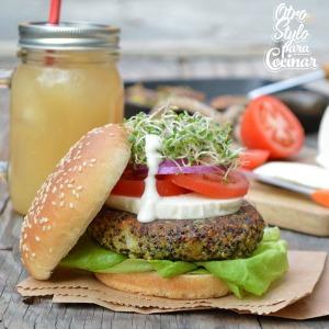 0fdf1f70-e551-11e4-8e01-05b0a1726c9c_hamburguesa-quinoa-intro copy